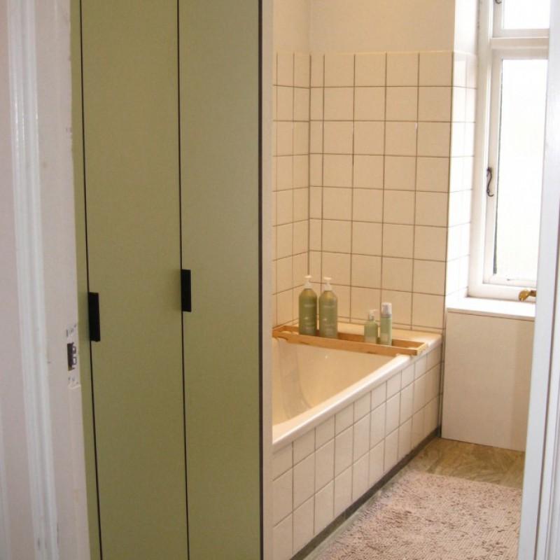 Frederiksberg - bad - skab