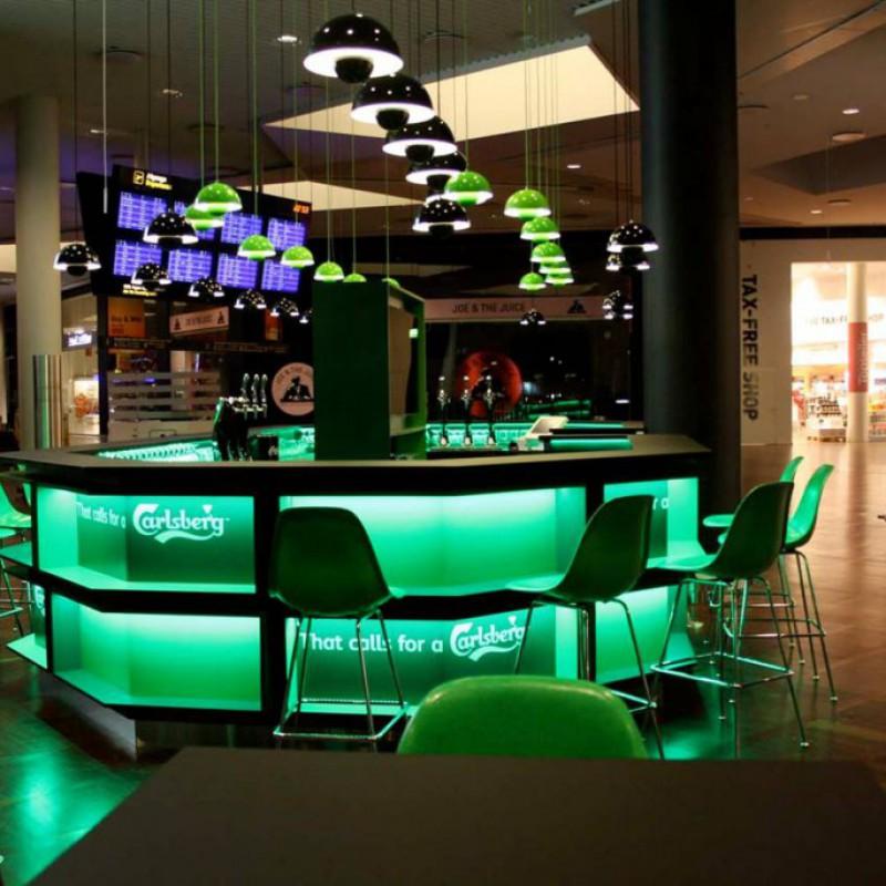 lyset i baren, Carlsberg Bar, Lufthavnen, Kastrup
