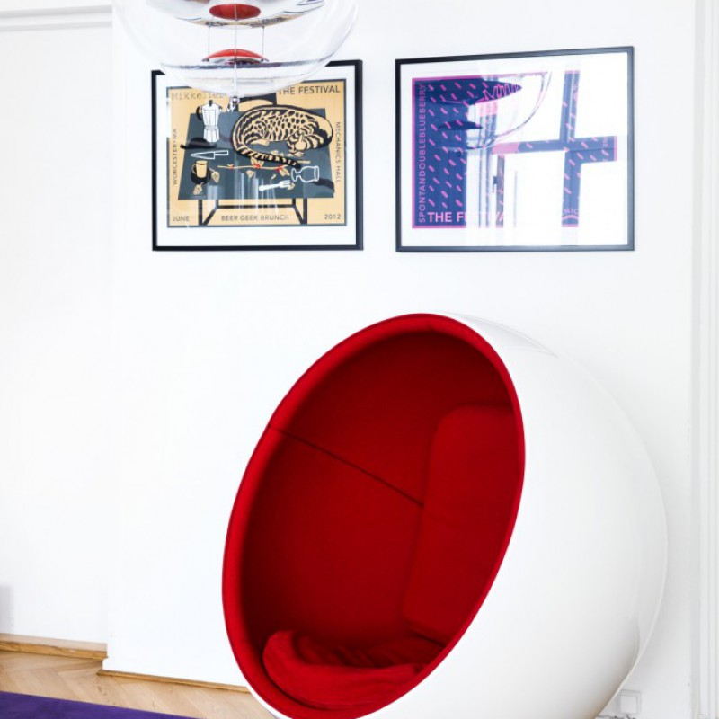 Eero Arnio Ball Chair, Mikkeller HQ