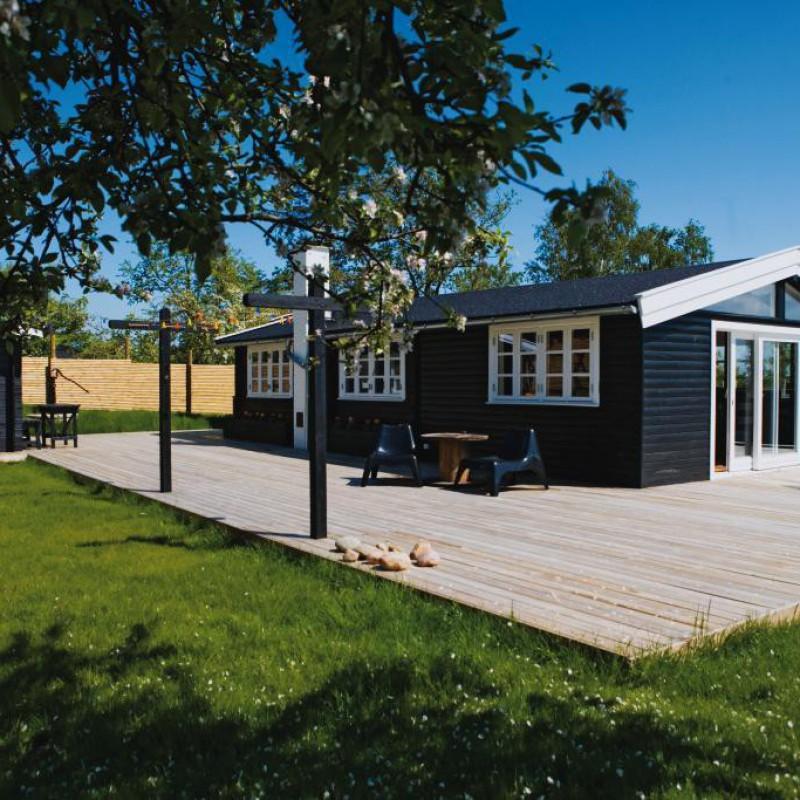 Vejby - sommerhus, total - huset udefra